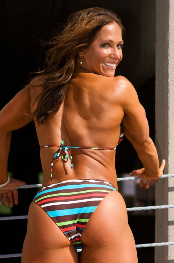 This is Sarah Hayes. Baby got back, n'est-ce pas?