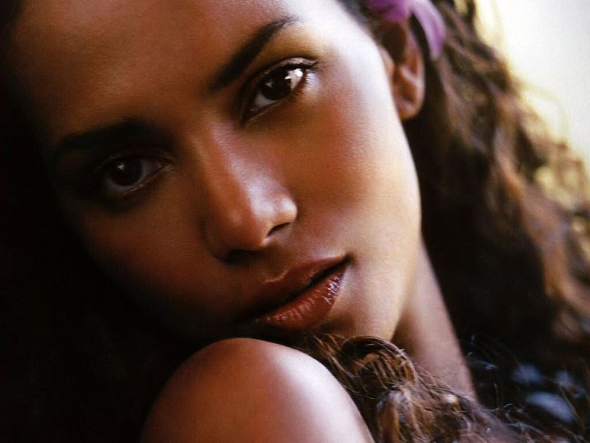 Halle Berry is one of my favorites from my youth. God, what a beauty!
