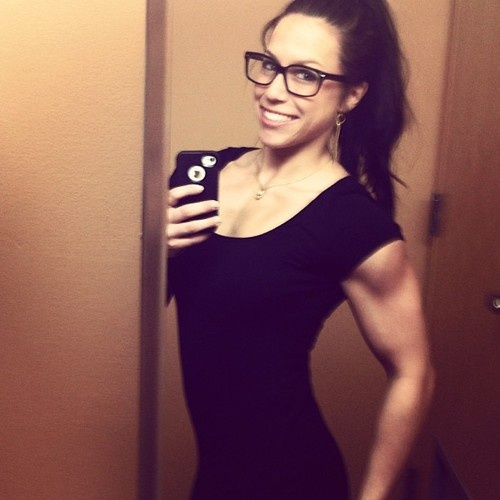 Another cute Instagram fitness girl. Yowza!