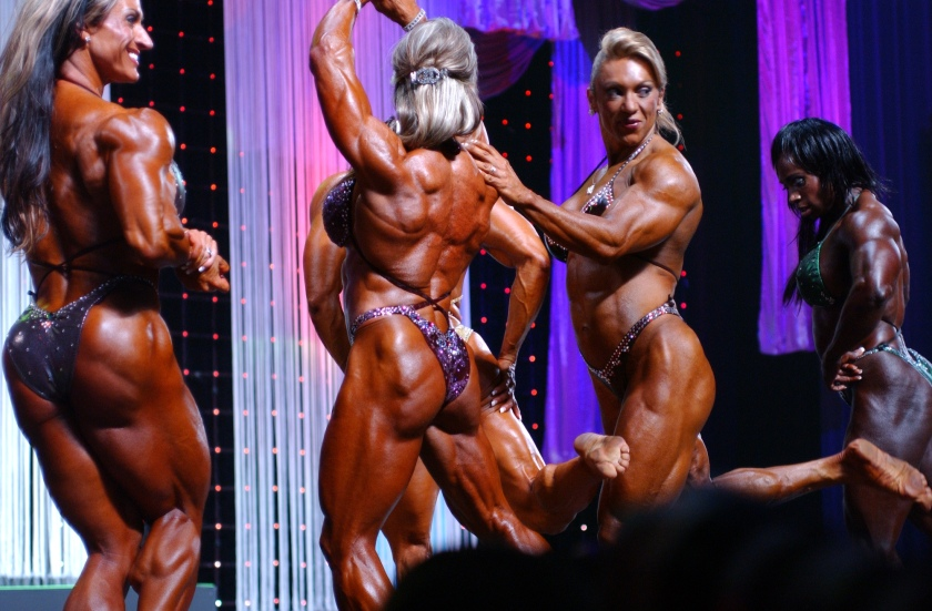 Muscle Goddesses in action.