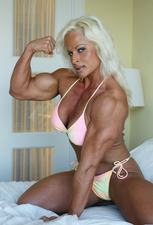 Nuriye Evans, an undisputed Muscle Goddess if there ever was one.