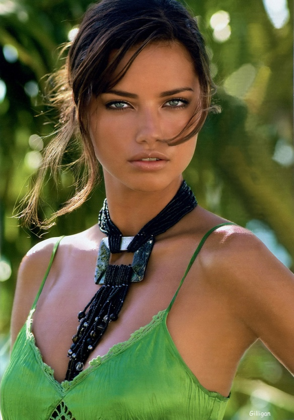 Aaaaaaaand finally, a much-anticipated photo of Adriana Lima.