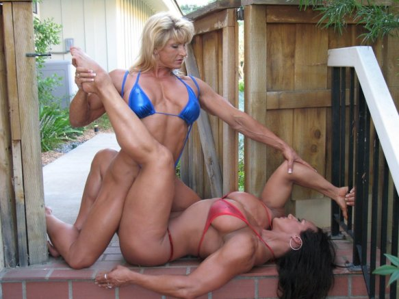 If I saw Nikki Fuller and Amber DeLuca engage in this type of activity in public, I'd definitely stop and stare. Wouldn't you?