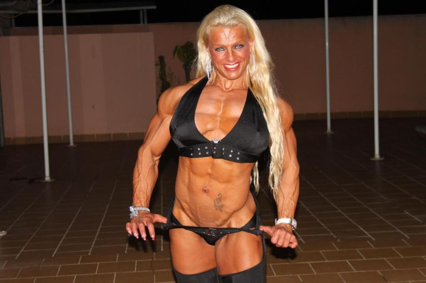 Who wouldn't want to touch the muscles of Fanny Palou?