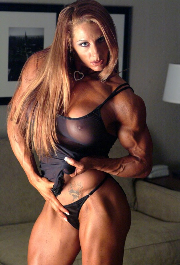 My new female muscle crush: Lindsay Mulinazzi.