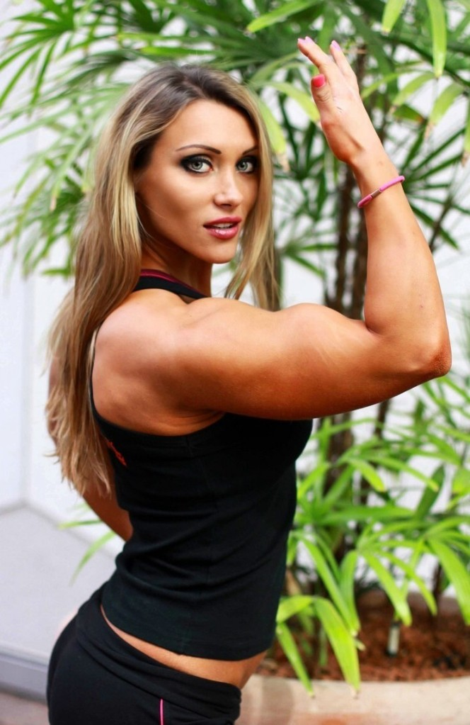 Susanna Tirpak is the perfect combination of beauty, femininity and muscularity. Agreed?