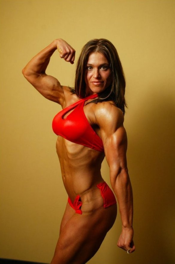 The gorgeous Debbie Leung flexing her bicep.