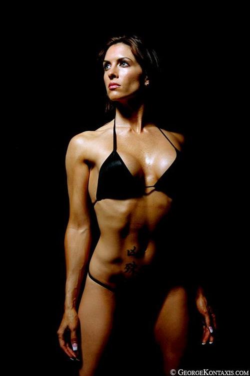 An elegant shot of Amanda Latona.