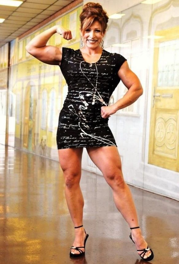 Jennifer Abrams is showing us muscles aren't just for men. Women can have them too!