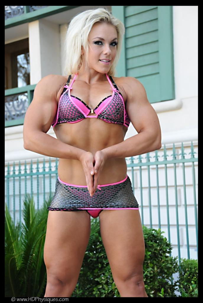 A strikingly gorgeous female bodybuilder.