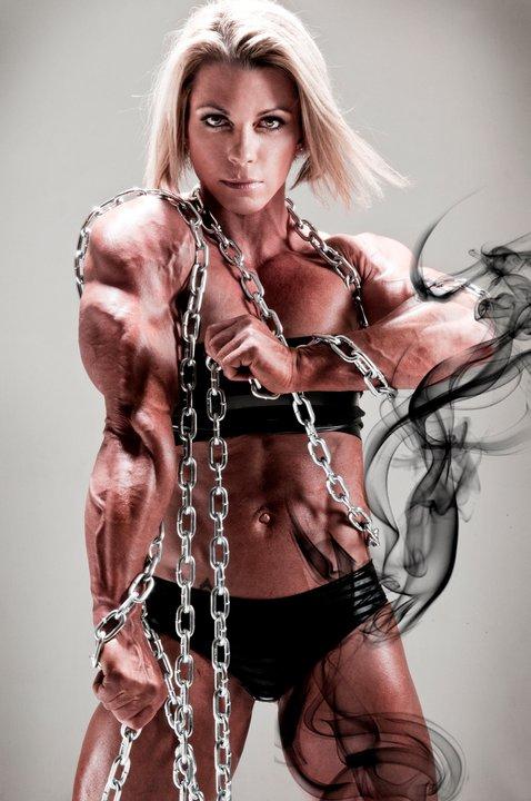 Nobody can chain down Fabiola Boulanger!
