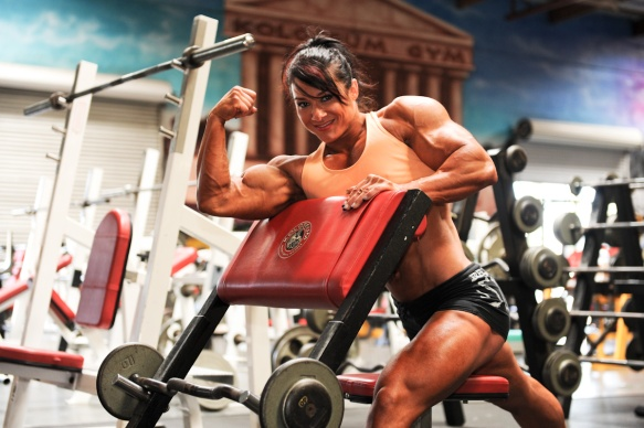 Who wouldn't want to see Alina Popa working out at their gym?