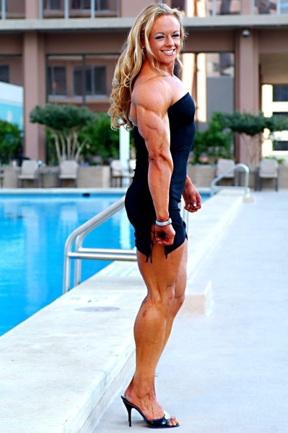 If women like Kristy Hawkins strolled around the pool more often, I'd go swimming every single day!