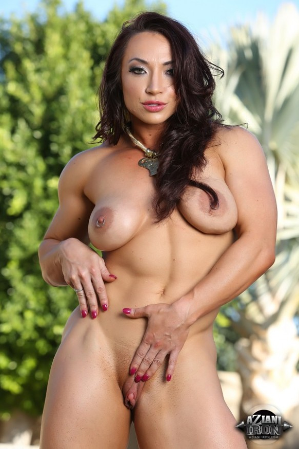 Brandi Mae Akers is not just your girl-next-door. She's your big-and-buff-girl-next-door!