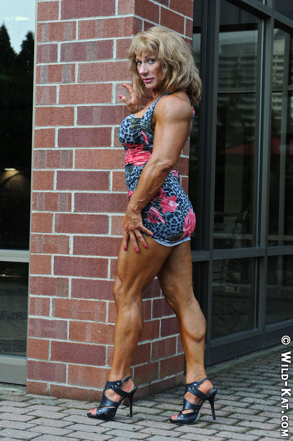 Kathy Connors showing off her gorgeous legs.